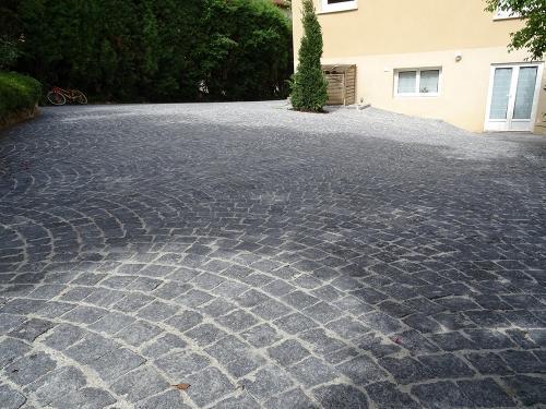 Cour en pavés granit