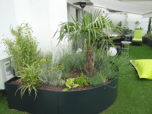 Massif végétal, Jardinière aluminium créée sur-mesure